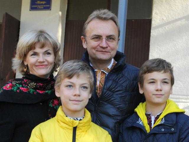 А Садовый погулял роскошно: мэр Львова признался, сколько потратил на известном курорте в Италии