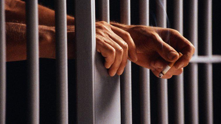 Запорожский прокурор, которого поймали на распространении наркотиков, лишился свободы на два месяца
