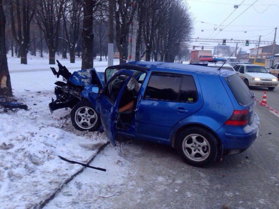 Львовяне в шоке: водитель Audi совершил страшное ДТП и скрылся (ФОТО)