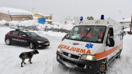 Новые подробности жуткого обвала в Италии: полицейских поразило ВИДЕО, снятое внутри заваленного лавиной отеля