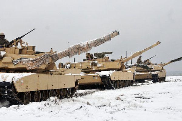 США перебросят часть танков из Польши в страны Балтии