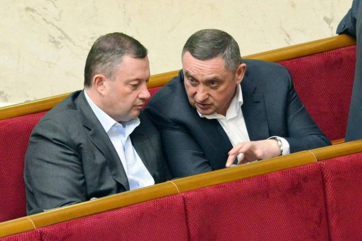 «Пригрелись» замечательно: как братьям Дубневичам «капает» за Укрзализныцю по 1 миллиарду в год