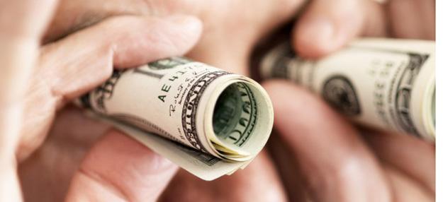 Сбор в 2% при покупке наличной валюты утратил силу
