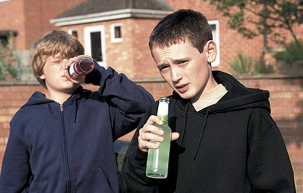 Куда смотрят их родители? На Полесье дети отравились алкоголем, врачи делают все возможное