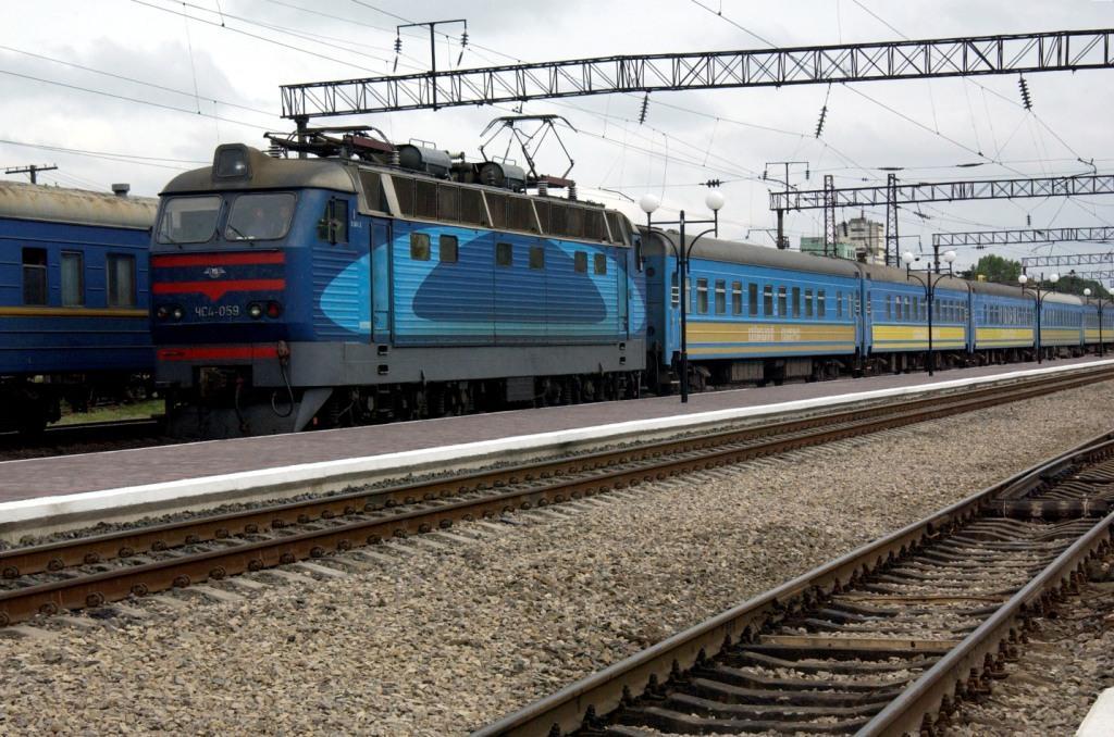Чиновники одной из железных дорог уклонились от уплаты налогов на 107 миллионов гривен