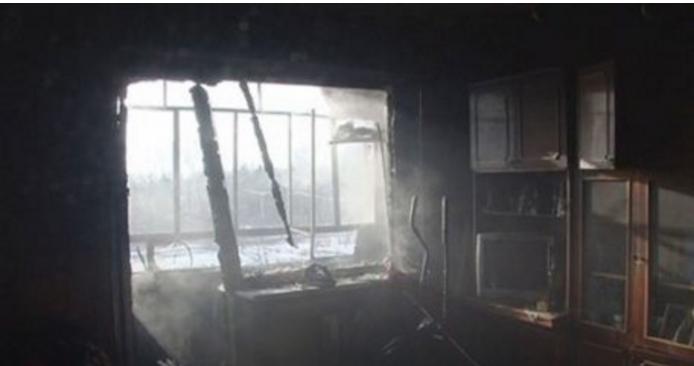 Во Львове из-за пожара в многоэтажке эвакуировали полсотни человек (видео)