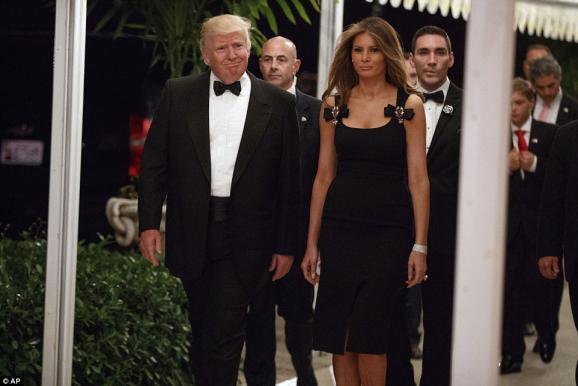 Помпезная новогодняя вечеринка от Трампа поражает своей роскошью (ФОТО)