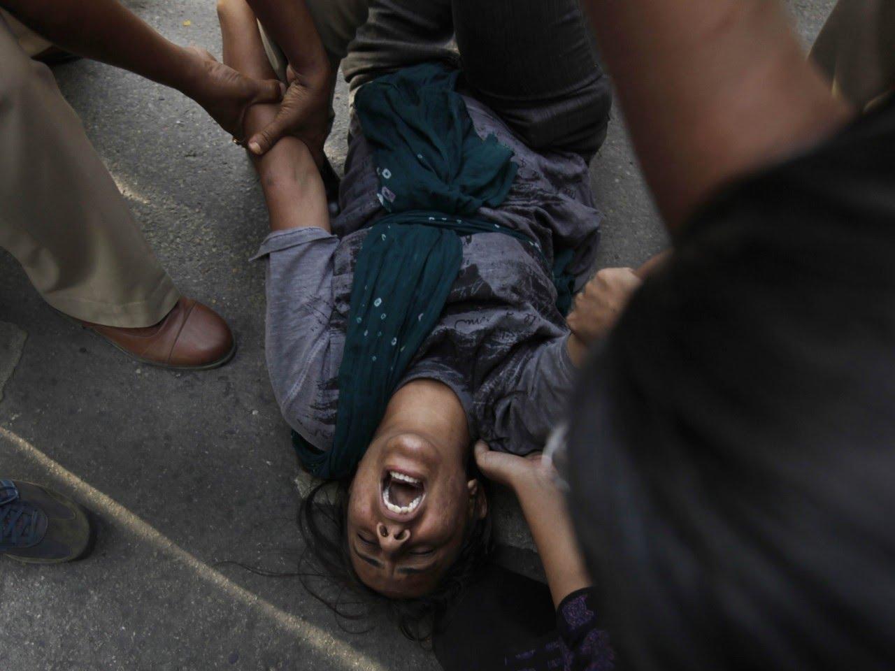 Насильники жестоко поиздевались над девочкой: такого даже врагу не пожелаешь