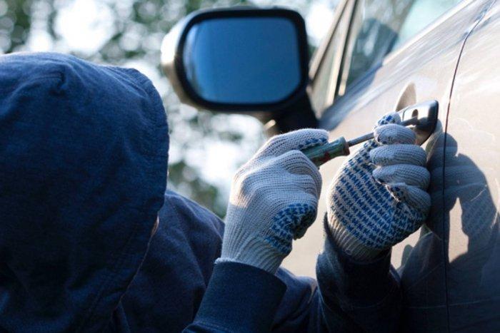 Нацполиция и СБУ поймали банду, которая воровала автомобили у народных депутатов и чиновников (ВИДЕО) Подробности разоблачения злоумышленников поражают