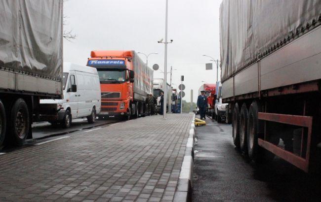 На трассе Киев — Чоп временно ограничили движение для грузовиков