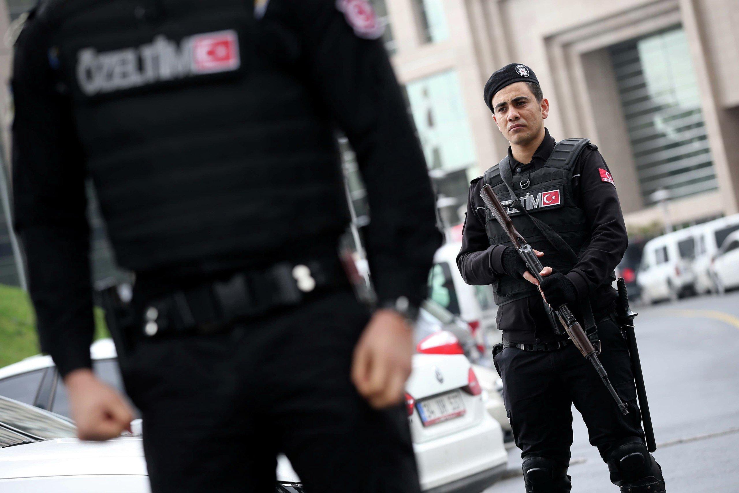 Полиция Стамбула задержала 8 человек в связи с терактом в ночном клубе
