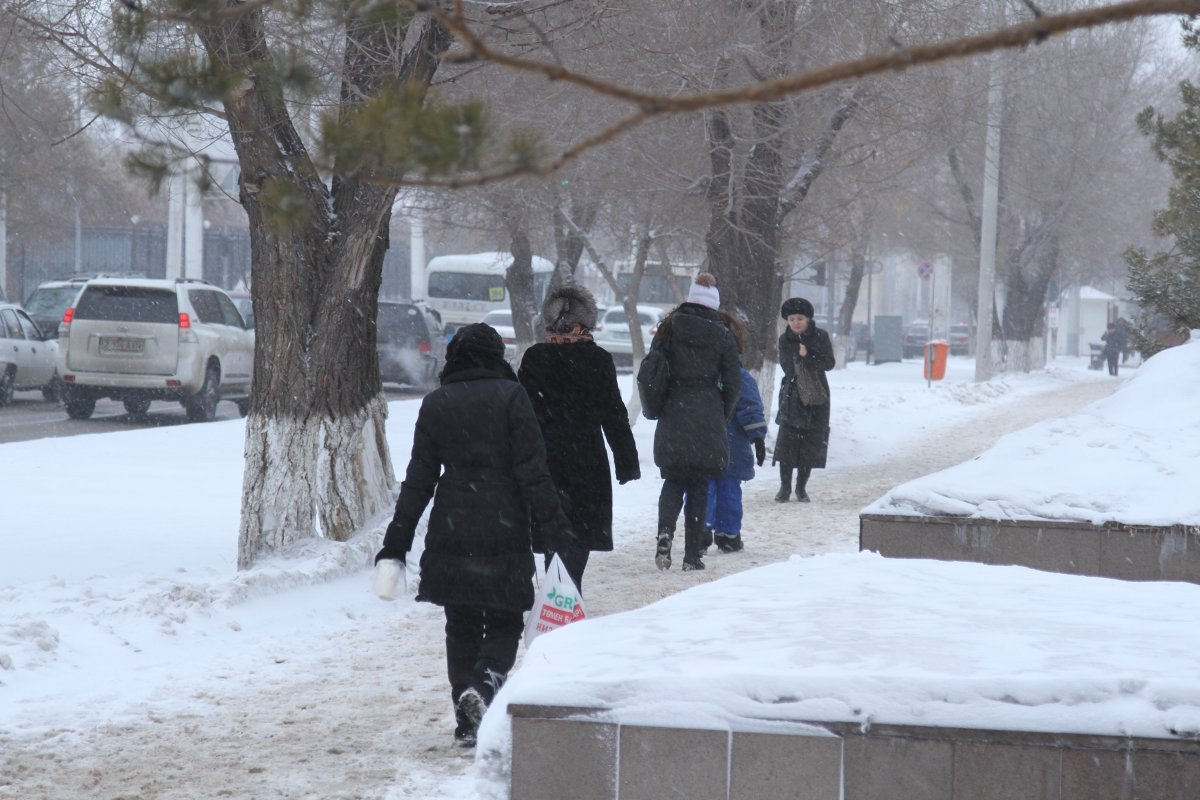 Начинается: синоптики предупреждают украинцев о существенном снижении температуры
