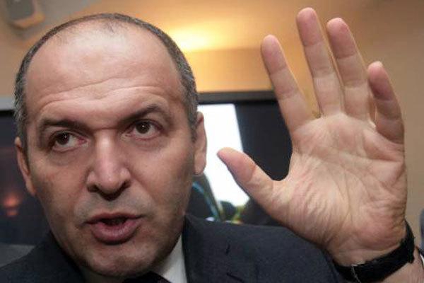 В АП ответили Пинчуку: отказа от ЕС и НАТО не будет, Крымом не торгуем