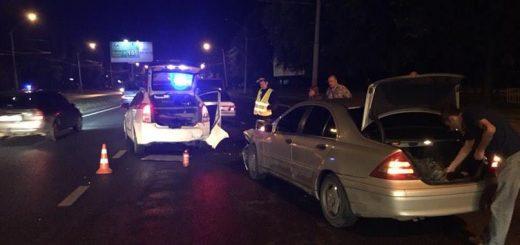 Конец обмана: львовские полицейские устроили настоящую погоню за пьяным работником автосервиса, который гонял на машине клиента