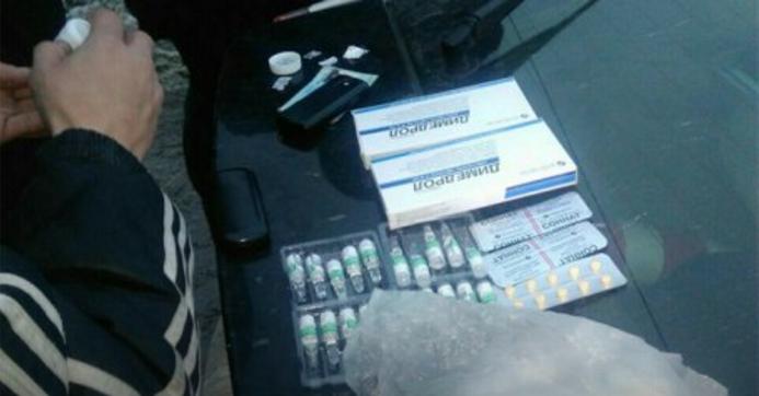 Из-за подозрения в хранении наркотиков львовские патрульные задержали 35-летнего мужчину
