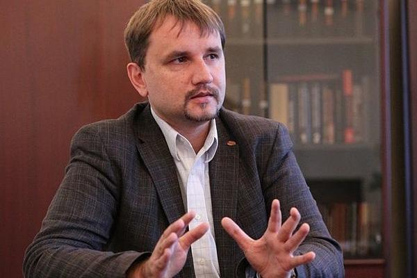 Насолил: депутаты собираются уволить главного декоммунизатора страны Владимира Вятровича