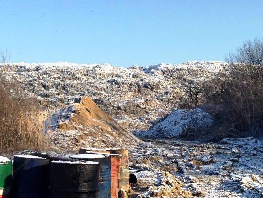 Укрепление дамбы на Грибовицкой свалке происходит без проекта (ВИДЕО)