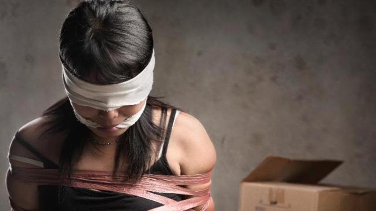 Срочно: в Одессе из престижного отеля трое мужчин похитили женщину