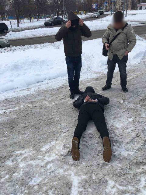 Совести у него совсем нет: инспектора Гоструда поймали на огромнойвзятке(ФОТО, ВИДЕО)