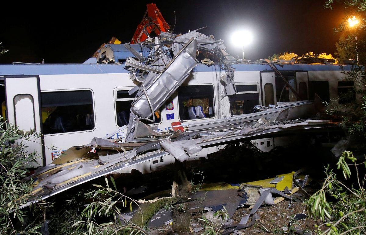 Срочно: в Киеве столкнулись два поезда (ФОТО)