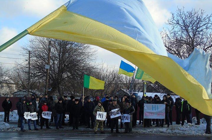 Крестьяне остановили кортеж Порошенко возле Конча-Заспы, вот как это было