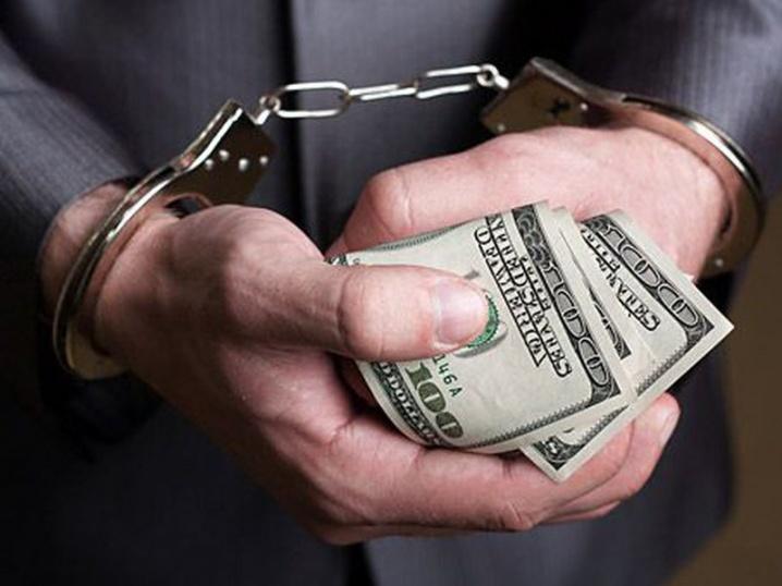 Он вообще без совести и чести: директора департамента НБУ уличили в огромном взяточничестве