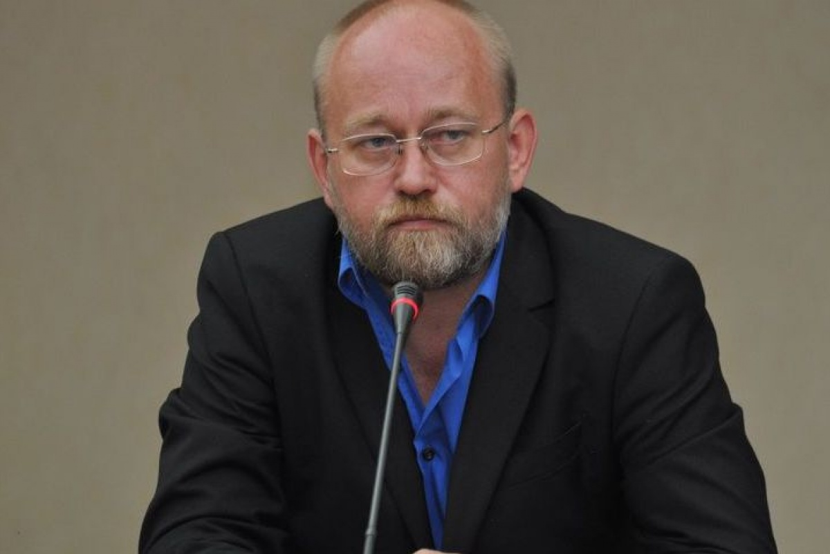 Попался, голубчик: Рубану отменили разрешение на пересечение границы «ДНР»