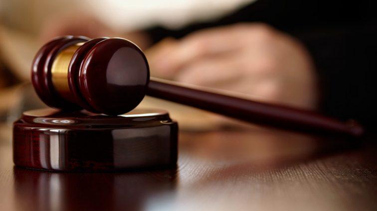 Суд арестовал 300 млн. в банке Порошенко, поступивших из банка Януковича