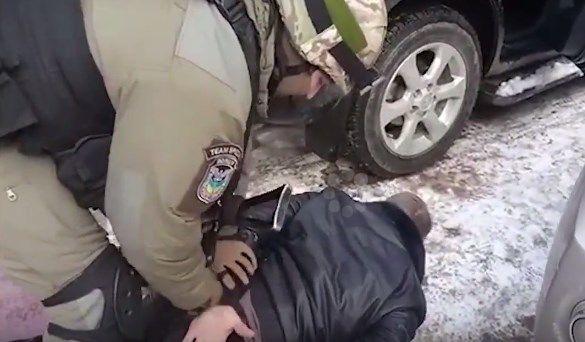 Полиция Киева задержала опасного криминального авторитета (ВИДЕО +18)