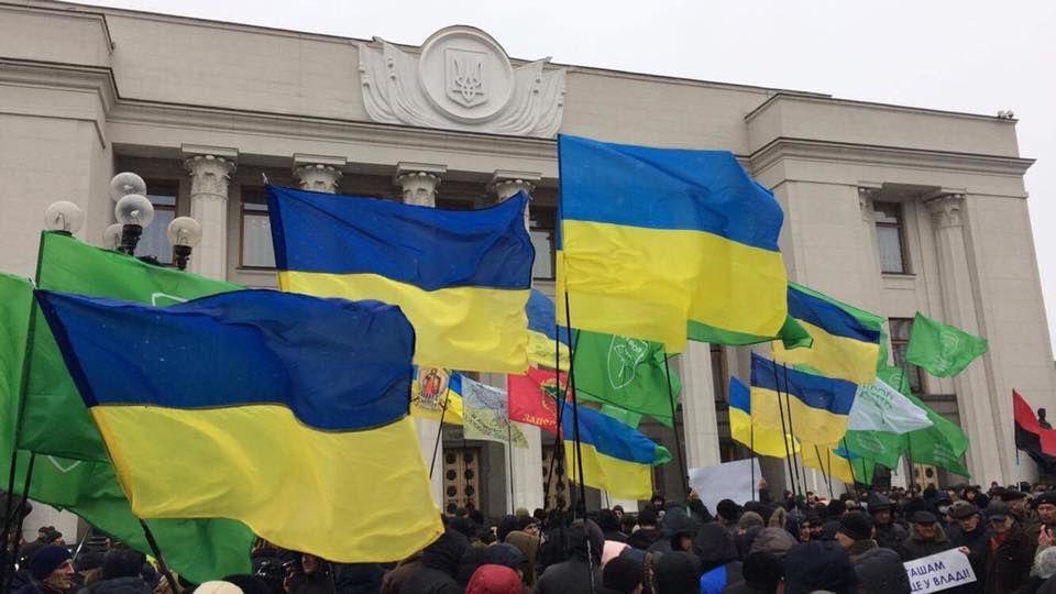 Срочно! На Майдане задержали подростка с петардой и взрывпакетом