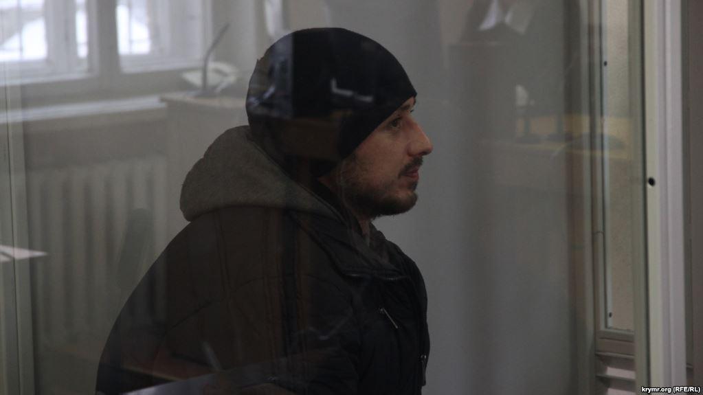 Дезертир из Крыма не признает себя гостизмеником