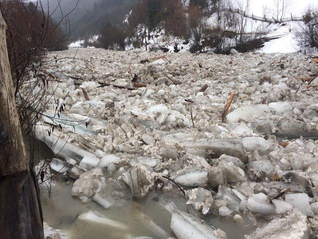 Не пожалеет никого: одна из областей Украины страдает от сокрушительной непогоды (ФОТО, ВИДЕО)