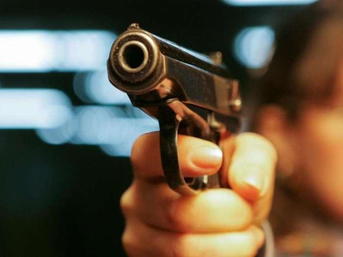 Шок: известный футболист застрелил убийцу его жены