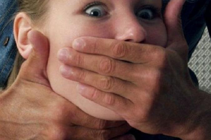 Куда мир катится: педофил-милиционер два года занимался сексом с несовершеннолетней. Подробности шокируют