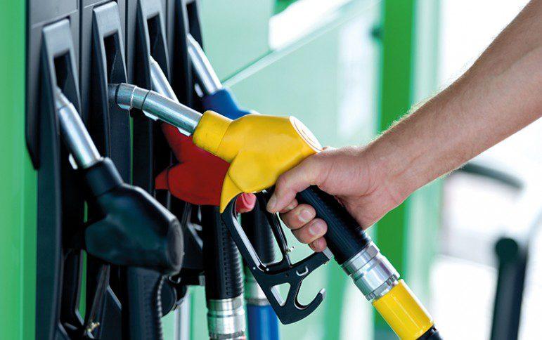 Праздник для всех водителей: Цены на топливо упадут и стало известно когда именно