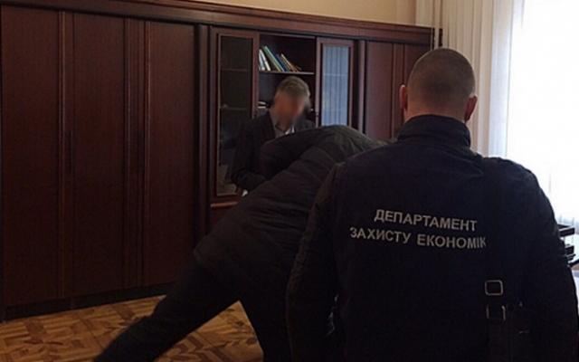 Совести нет у него совсем: известного чиновника уличили в миллионных кражах