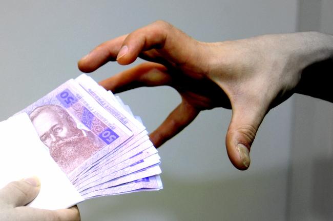 В Днепре поймали прокурора на взятке в $1,6 тыс.