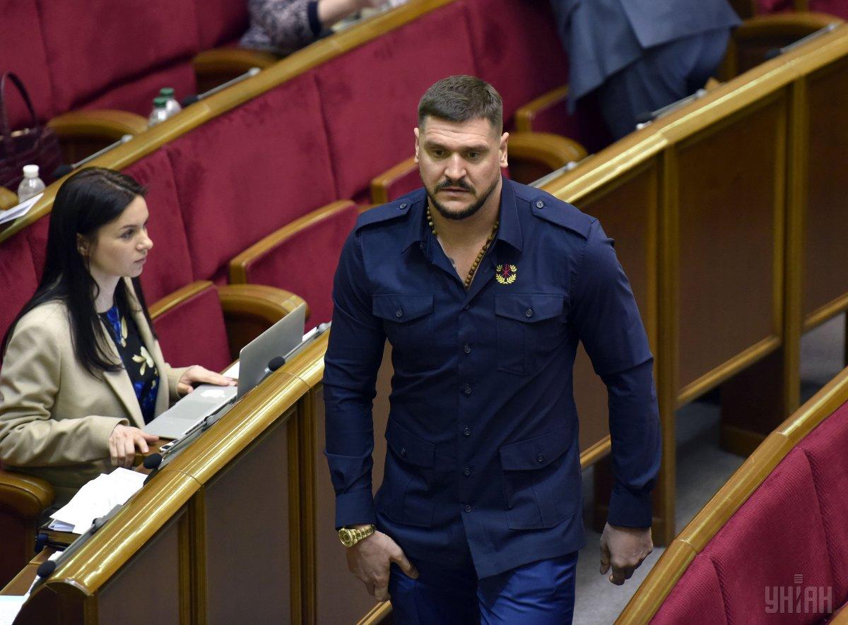 Савченко, который прославился ошибками, уже не нардеп