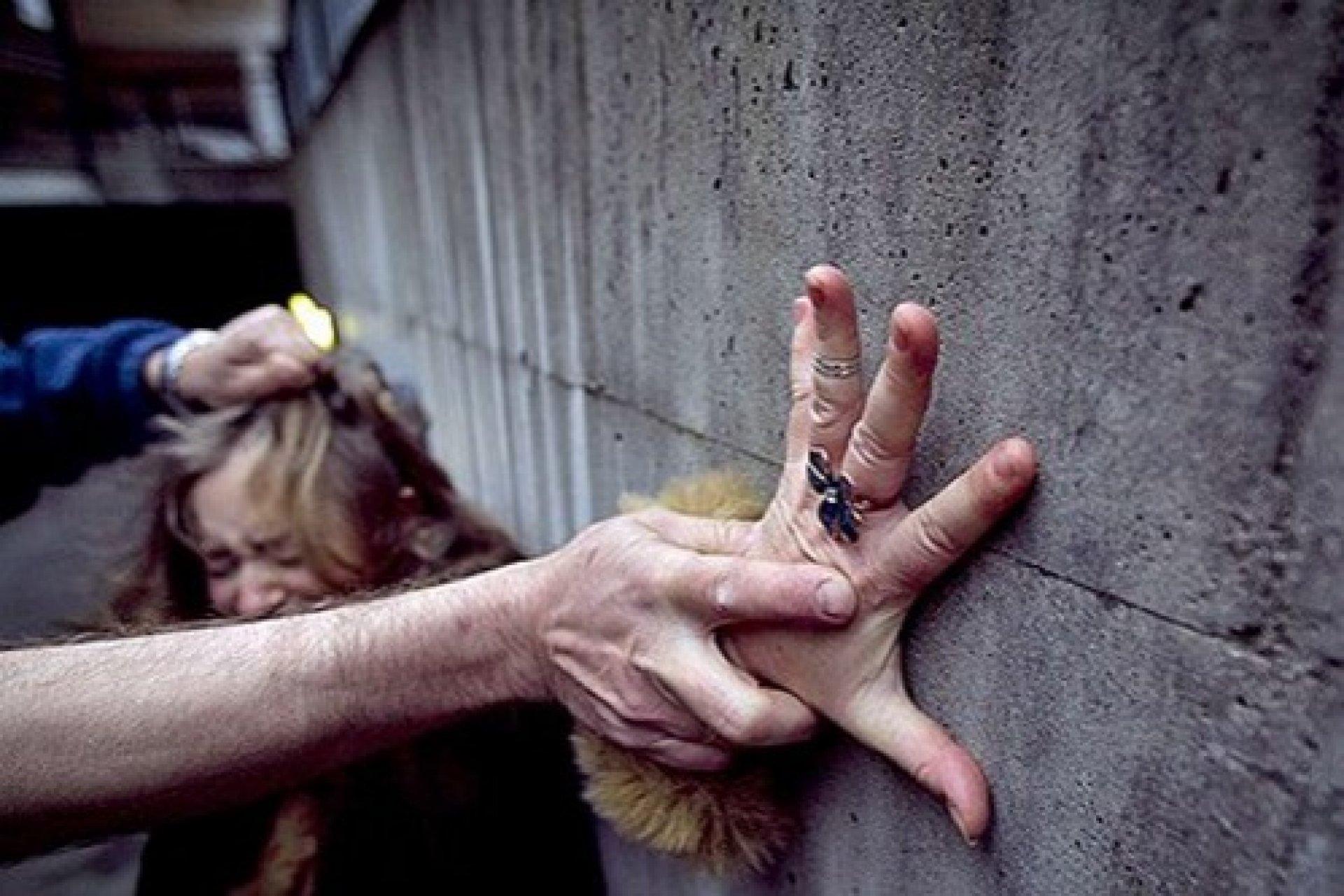 Неслыханная жестокость: в Чернигове изнасиловали ребенка-инвалида