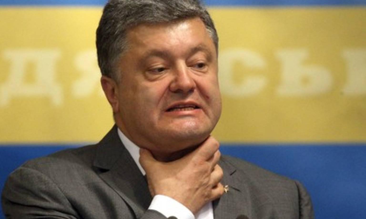 Чиновник поплатился за словесную перепалку в Одессе с Порошенком (ВИДЕО)