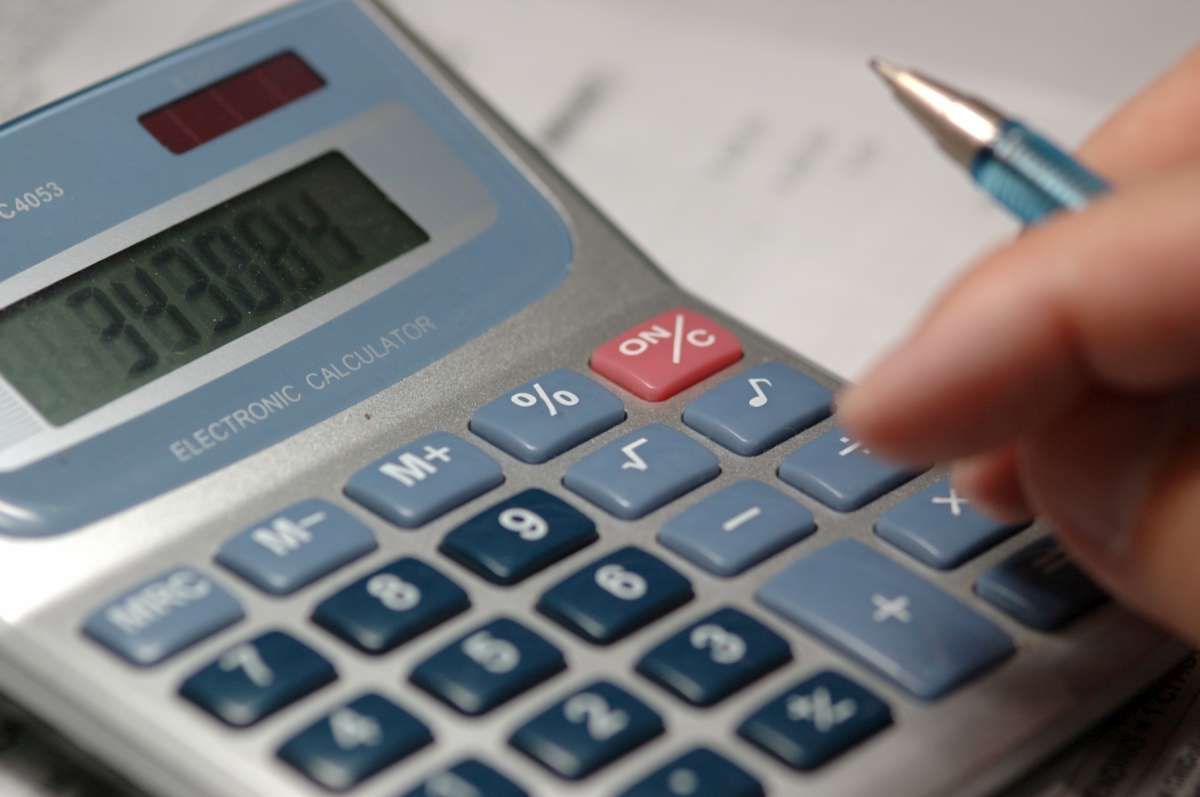 Кабмин утвердил новые нормативы: На сколько сократят субсидии и что подорожает
