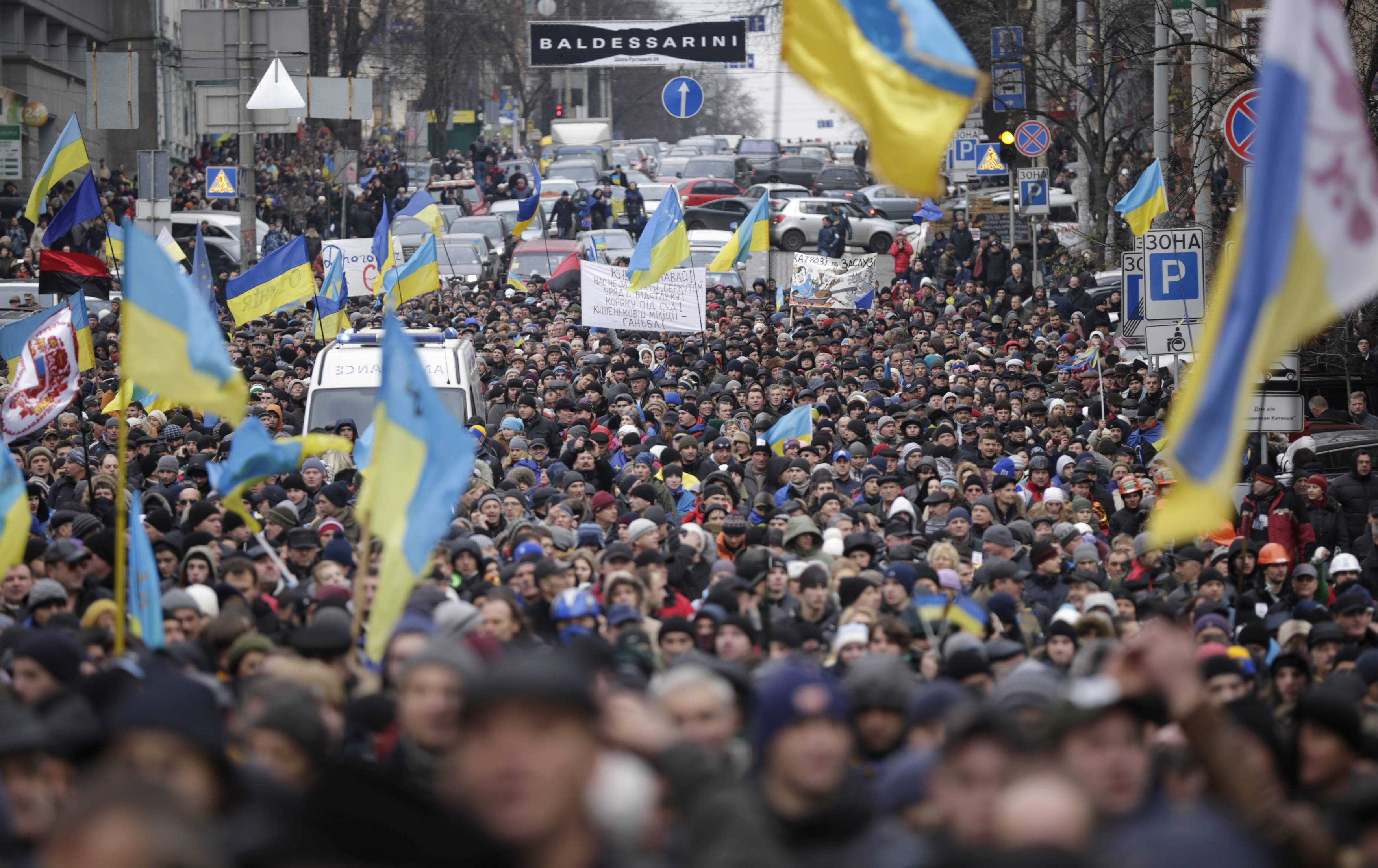 Готовьтесь: в феврале жизни украинцев кардинально изменится — цены, повестки, браки по-новому …