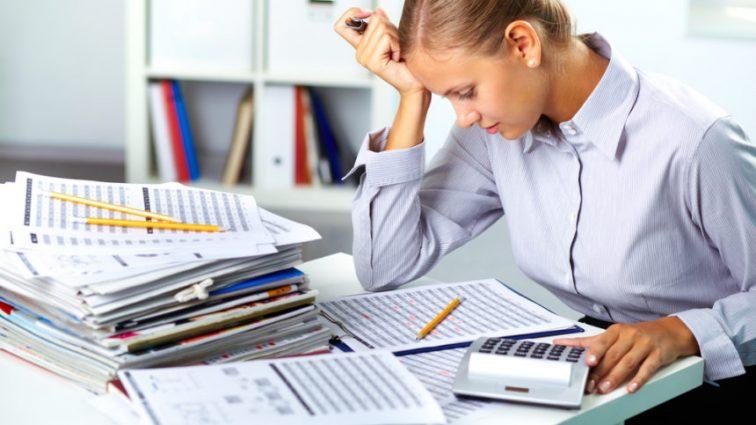 Условия работы украинцев: 30% трудятся сверхурочно, почти 25% работают ночью