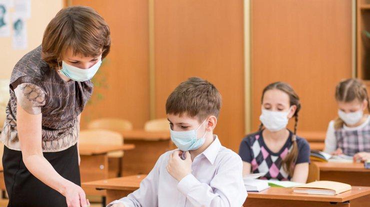 Завтра во всех школах одной из областей Украины приостановят учебный процесс из-за значительного ухудшения погодных условий