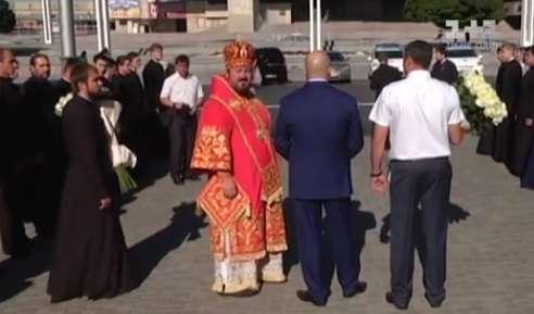 Поседеть можно: журналисты разоблачили элитное имущество на миллионы главного священника Харьковщины (ВИДЕО)