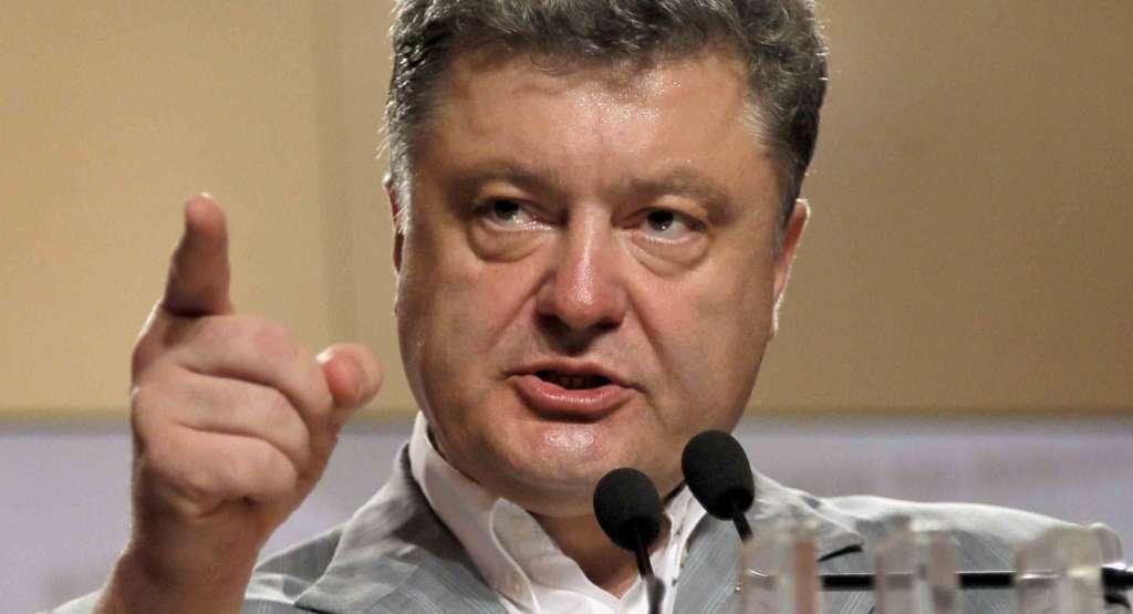 Порошенко «уничтожил» Парасюка и наконец прокомментировал ситуацию с блокадниками