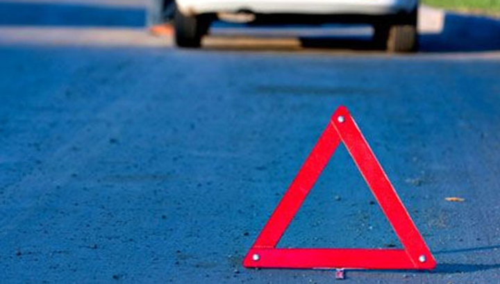 В Киеве произошло масштабное ДТП: разбиты две машины (ФОТО)