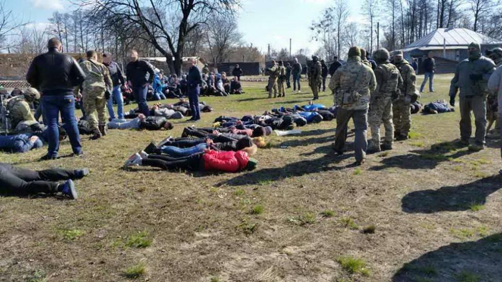 БУДЬТЕ ОСТОРОЖНЫ!!! На Черниговщине бандиты ПОХИТИЛИ И ПЫТАЛИ 200 ЧЕЛОВЕК (ФОТО)