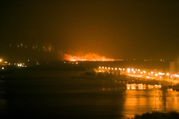 Киев в огне: страшный пожар, который видно за километр, охватил огромную территорию