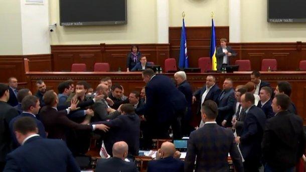 Свободовцы хотят вынести мэра Киева «вперед ногами»